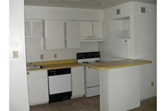 Kitchen at Listing #139516