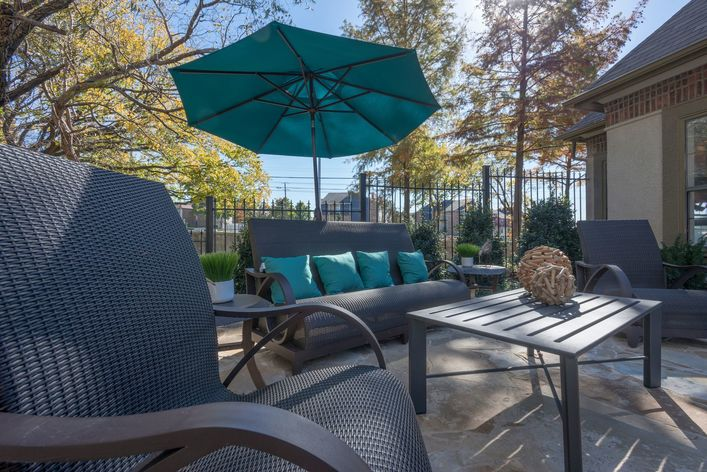 Lounge at Listing #137657
