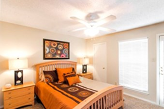 Bedroom at Listing #137510