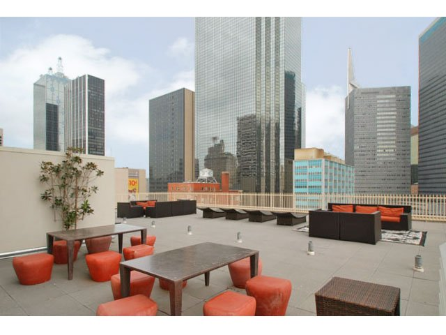 Lounge at Listing #145074