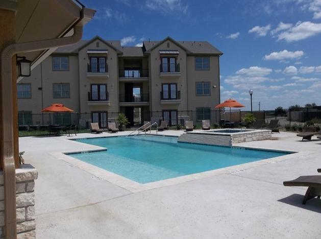 Oak Hollow Apartments Seguin, TX