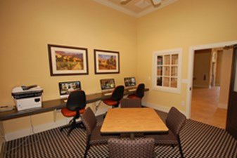 Business Center at Listing #253165