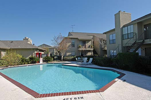 Pool at Listing #138934