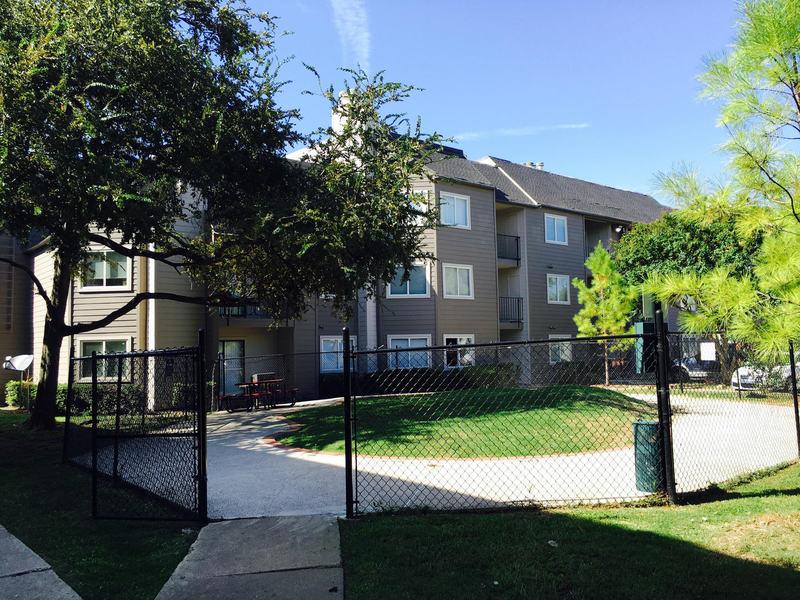 Hubbard's Ridge Apartments Garland TX