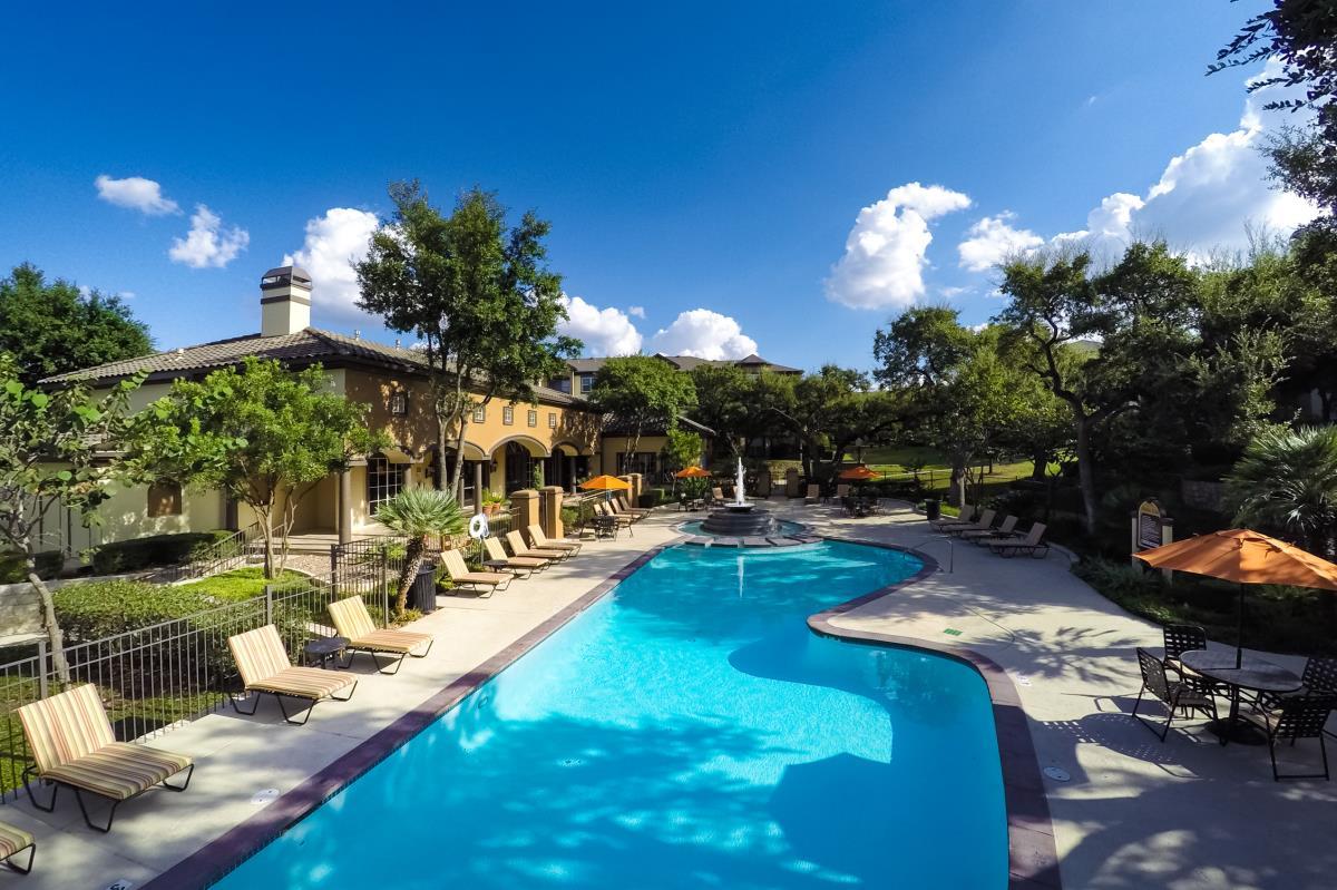 Pool at Listing #141433