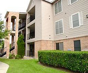 Exterior 3 at Listing #140661