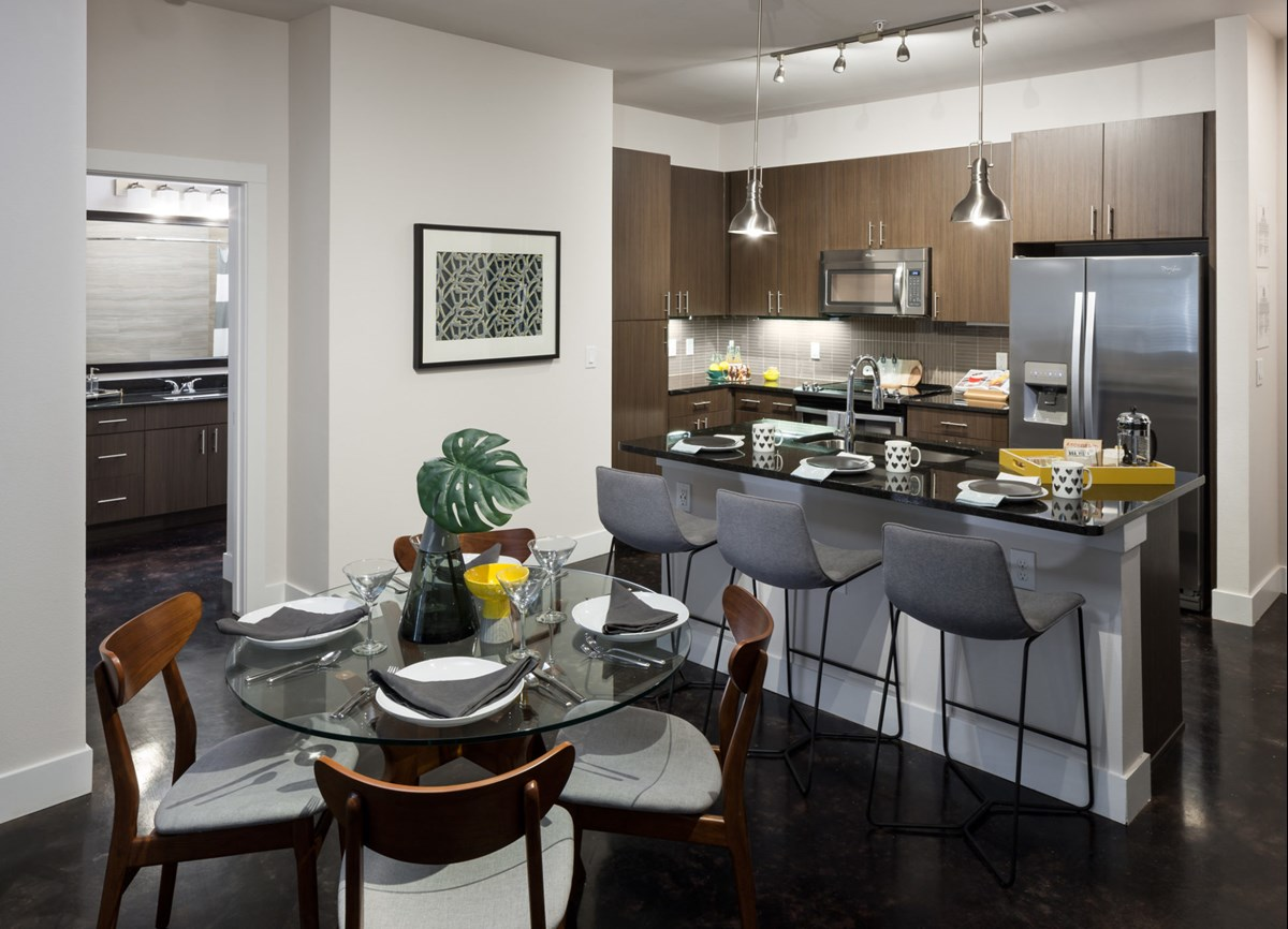 Dining/Kitchen at Listing #268434