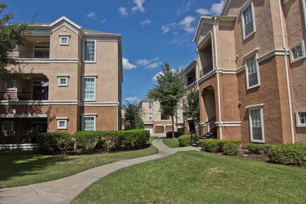 Reserve at the Fountains Apartments Stafford TX