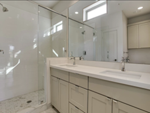 Bathroom at Listing #297245