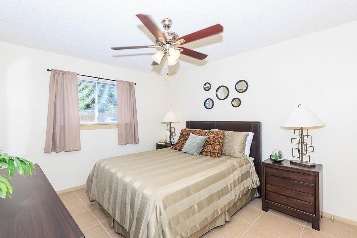 Bedroom at Listing #139162