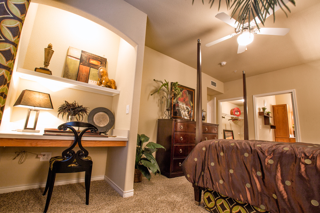 Bedroom at Listing #144538