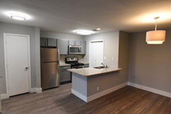 Dining/Kitchen at Listing #141149