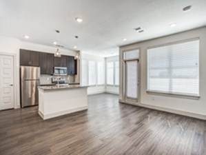 Dining/Kitchen at Listing #330299