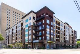 1711 Caroline Apartments Houston TX