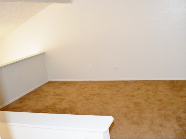 Bedroom at Listing #136727