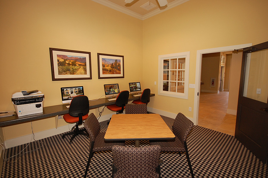 Business Center at Listing #295454