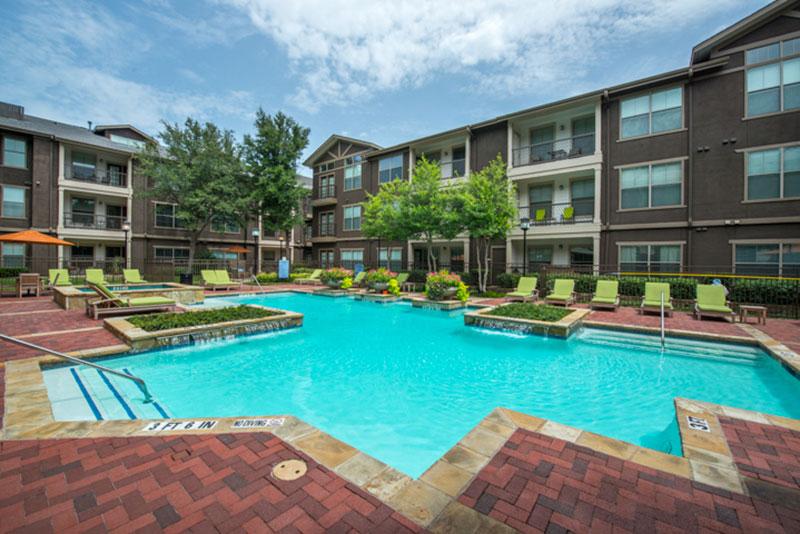 Pool at Listing #143401