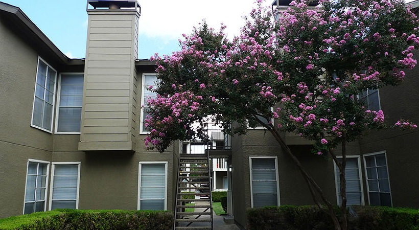Exterior at Listing #136114