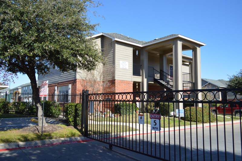 Gated Entry at Listing #137847