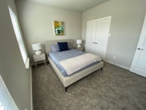 Bedroom at Listing #335068