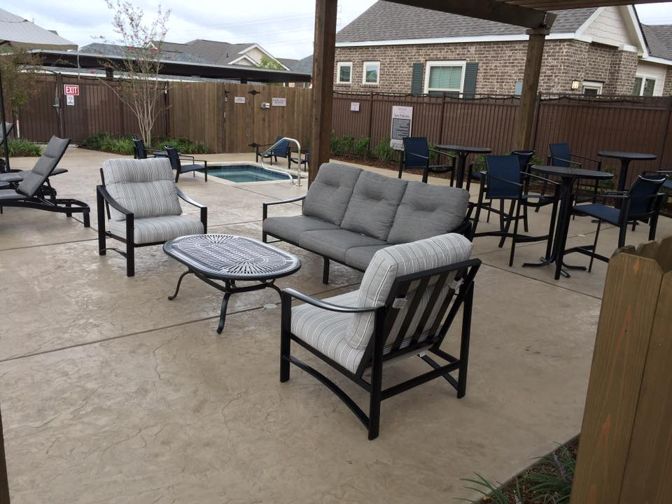 Lounge at Listing #227353