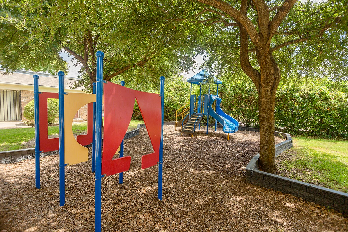 Playground at Listing #136576