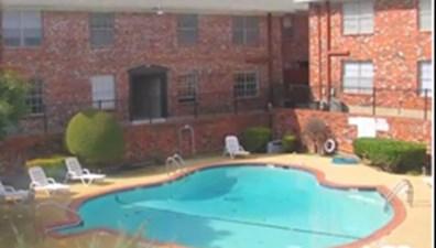 Pool at Listing #137164