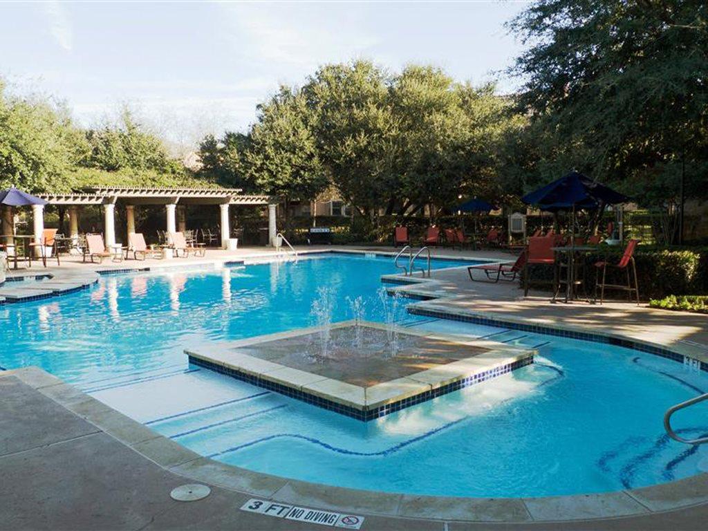 Pool at Listing #140697
