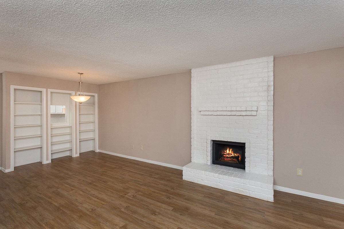 Living at Listing #139526