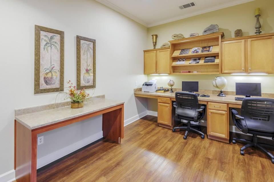 Business Center at Listing #146435