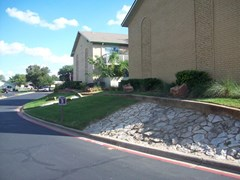 Shady Valley Square Apartments Pantego TX