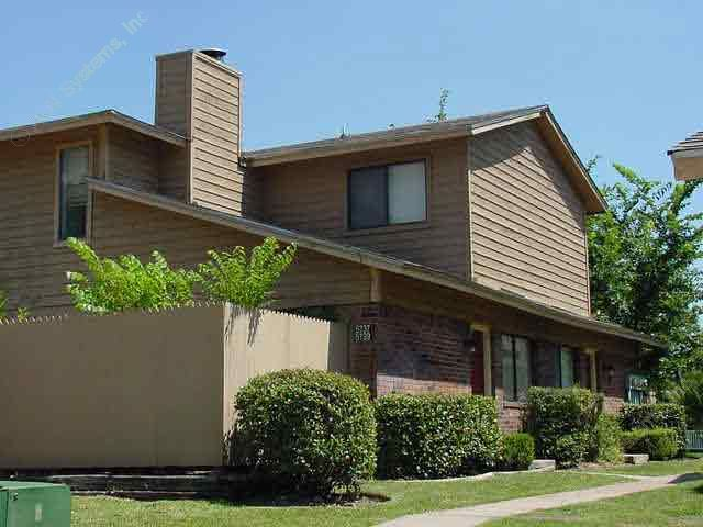 Exterior 1 at Listing #137103