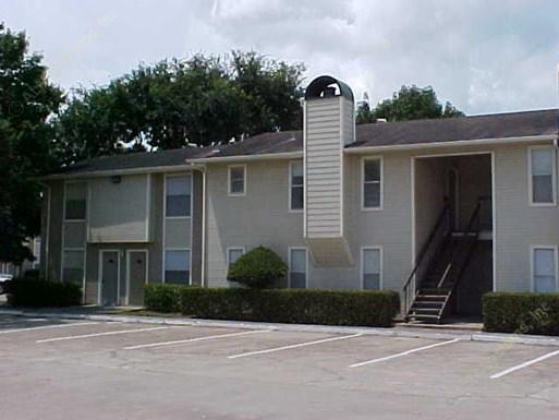 Royal Oaks of Pearland Apartments