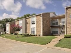 Grand Seasons Apartments Dallas TX