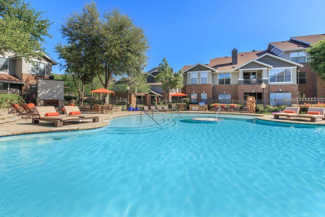 Pool at Listing #137891