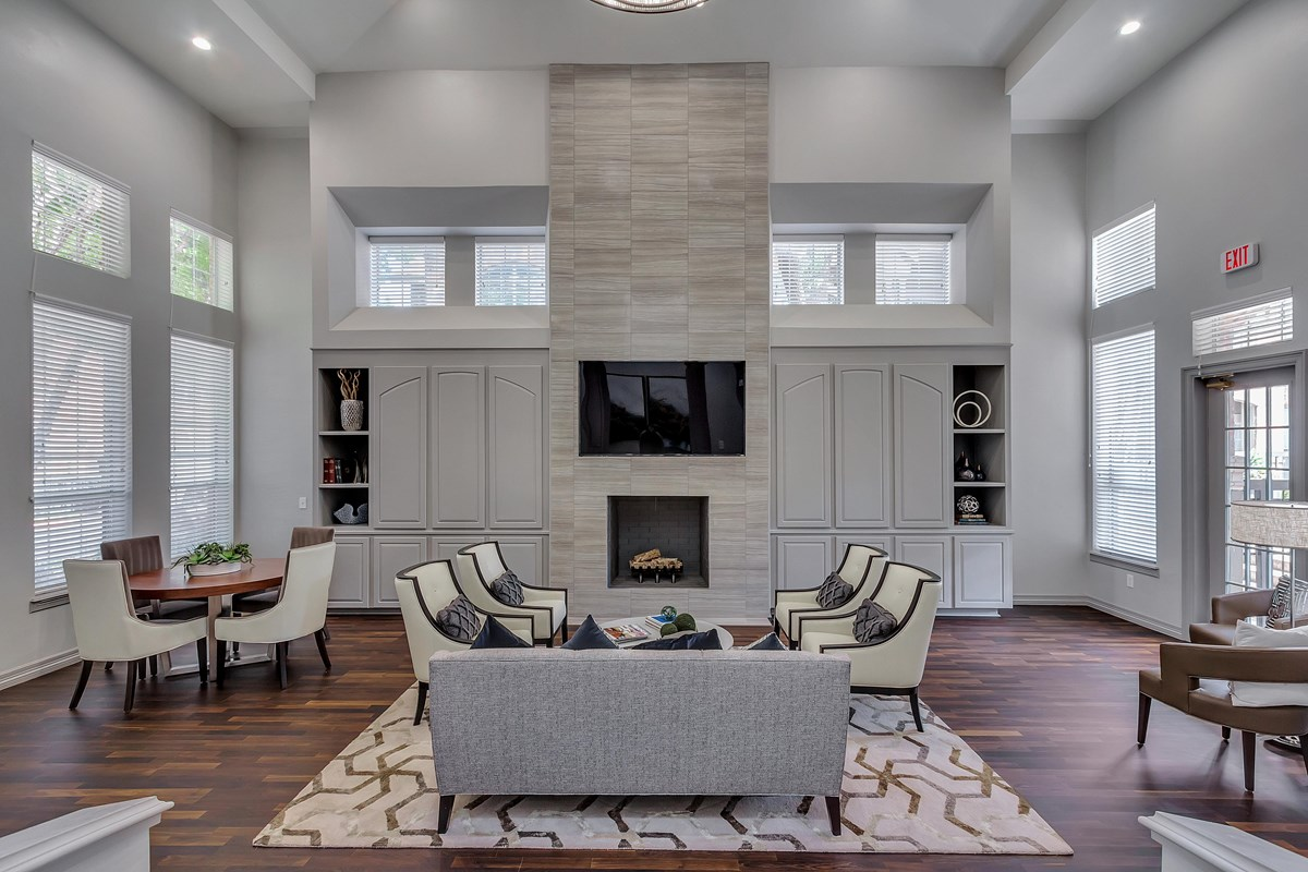 Lounge at Listing #137535