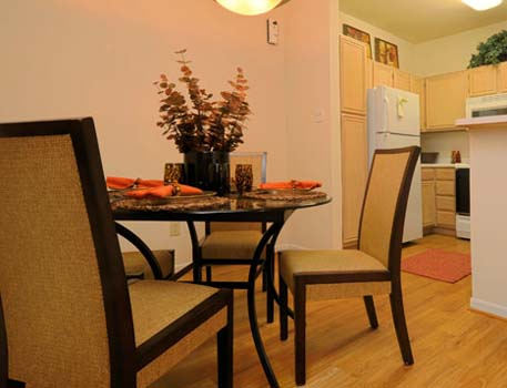 Dining at Listing #138918