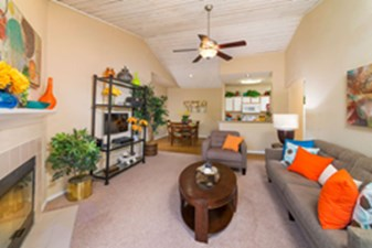 Living Area at Listing #141406