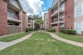 Exterior at Listing #139864