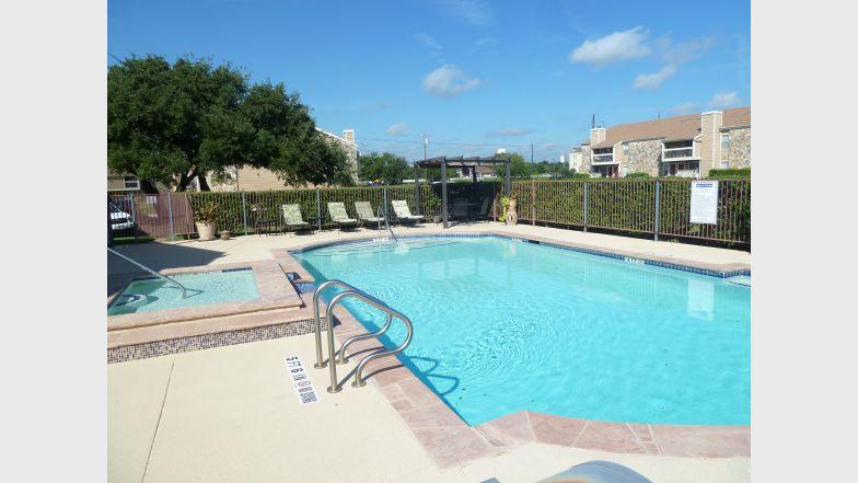 302 North Apartments , TX