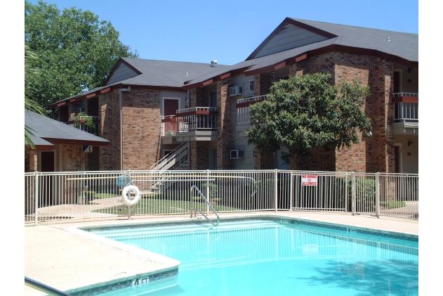 Pool at Listing #141024