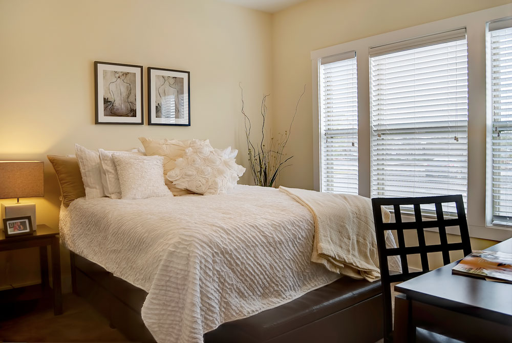 Bedroom at Listing #233723