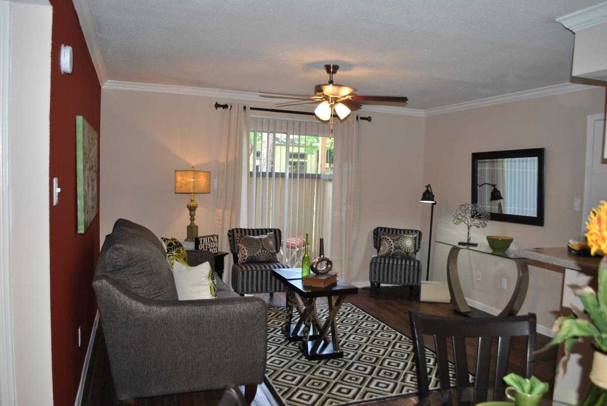 Living at Listing #138936