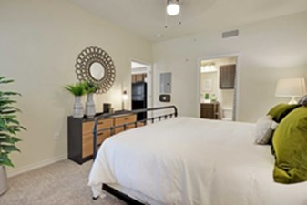 Bedroom at Listing #144592