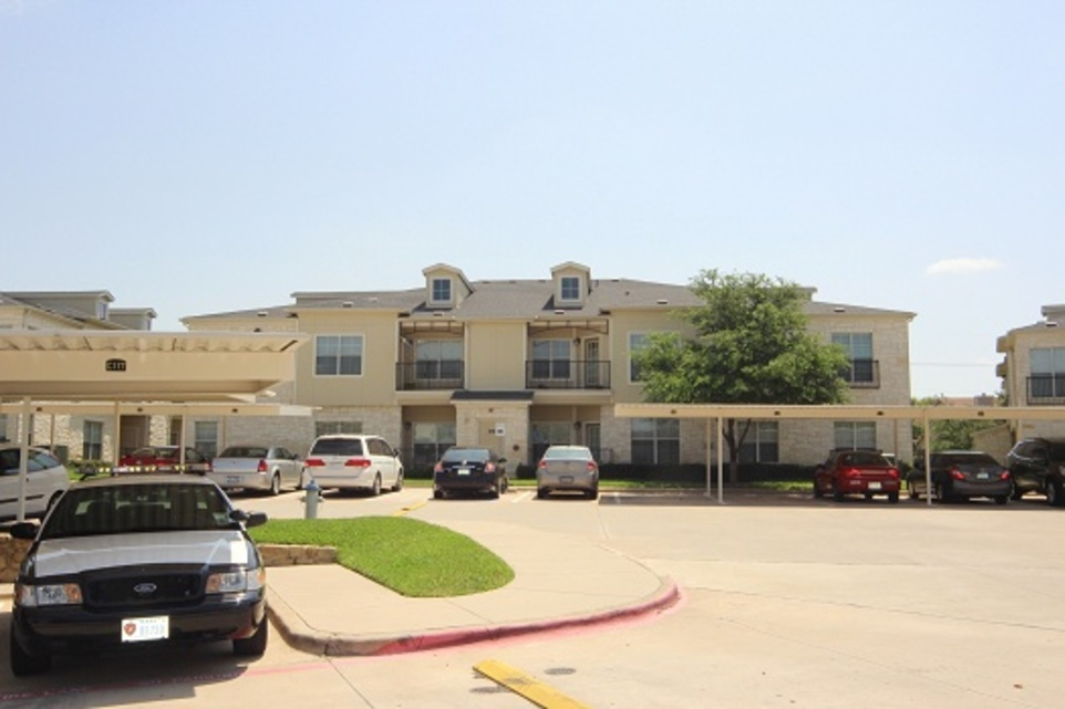 Exterior at Listing #144553
