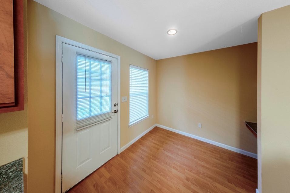Living at Listing #144527