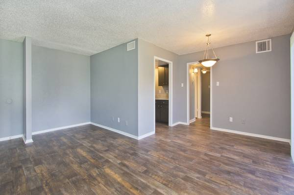Living at Listing #137031