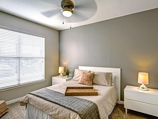Bedroom at Listing #137740