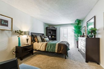 Bedroom at Listing #137215