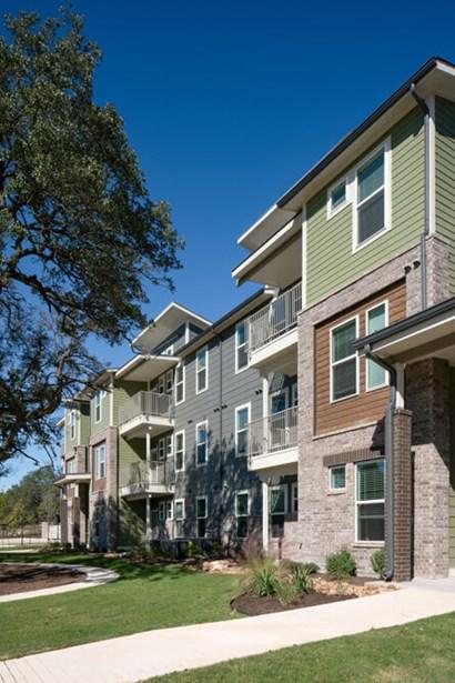 Kaia Pointe Apartments